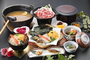 鶏飯(黒豚の陶板焼き・とんこつ・小鉢付)