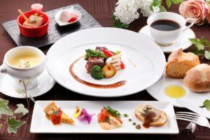 12/9より奄美の里 2つのレストランの営業時間が変更となります